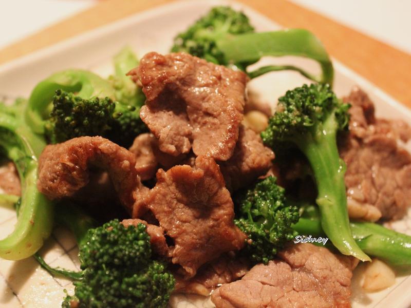 牛肉炒綠花菜