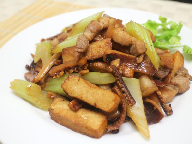鹹豬肉客家小炒(((0廚藝OK