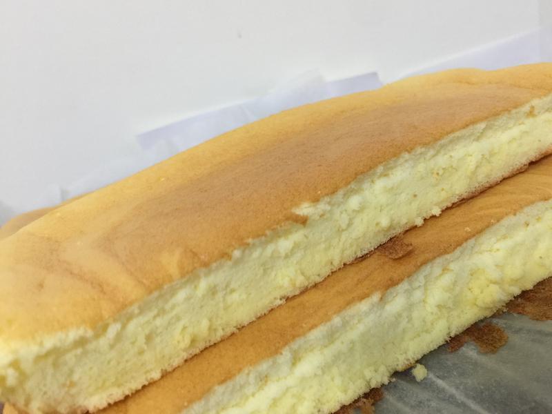 一大盤的古早味蛋糕