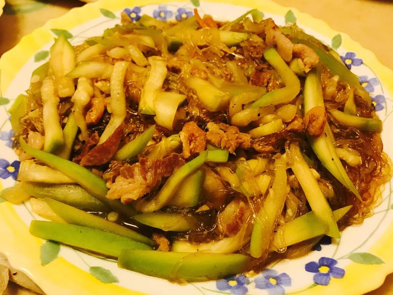 瓠瓜(扁蒲)肉絲炒冬粉
