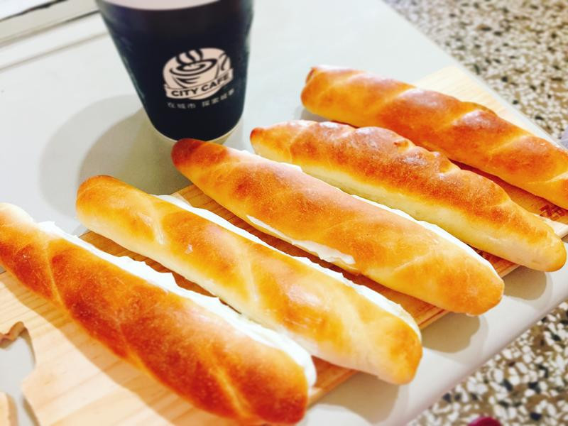 鮮奶油長條麵包