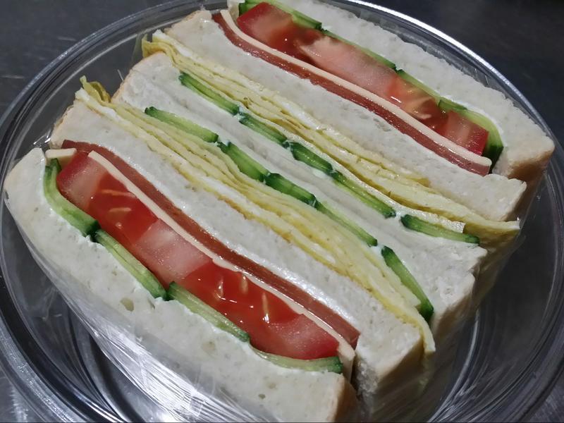 賢慧的愛妻早餐-火腿起司蛋三明治