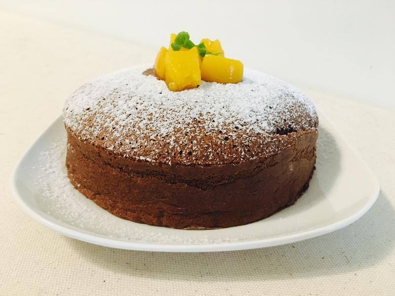 只需要四種材料的巧克力起司蛋糕