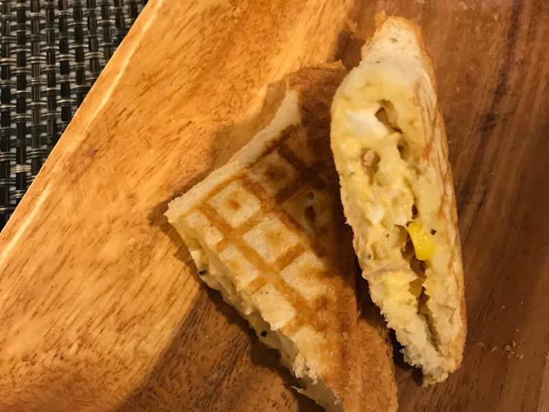 鮪魚玉米蛋沙拉烤土司