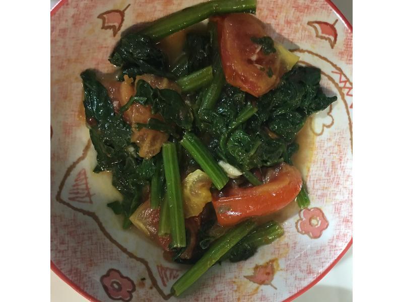 蕃茄炒菠菜