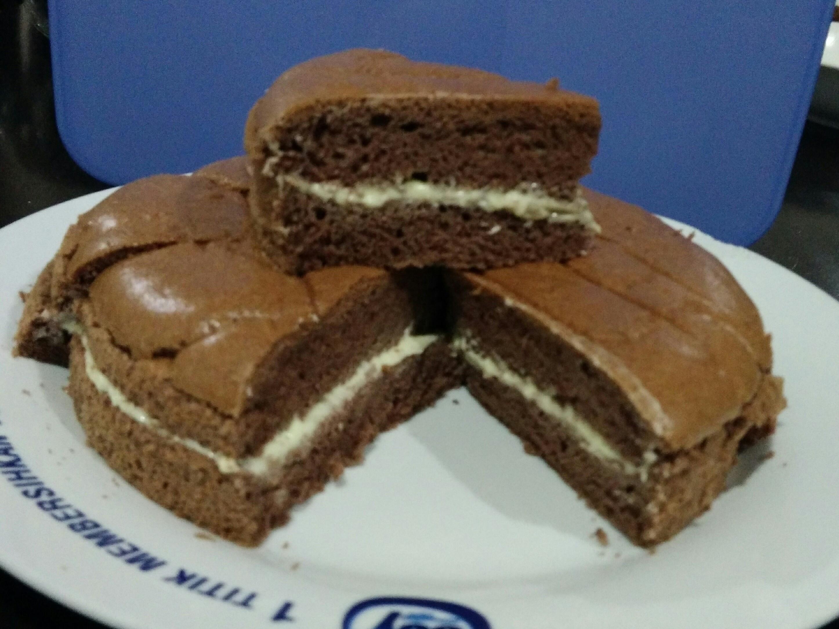 奶油馅巧克力海绵蛋糕