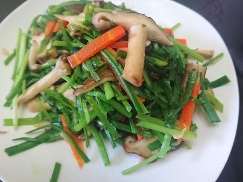 韭菜炒香菇