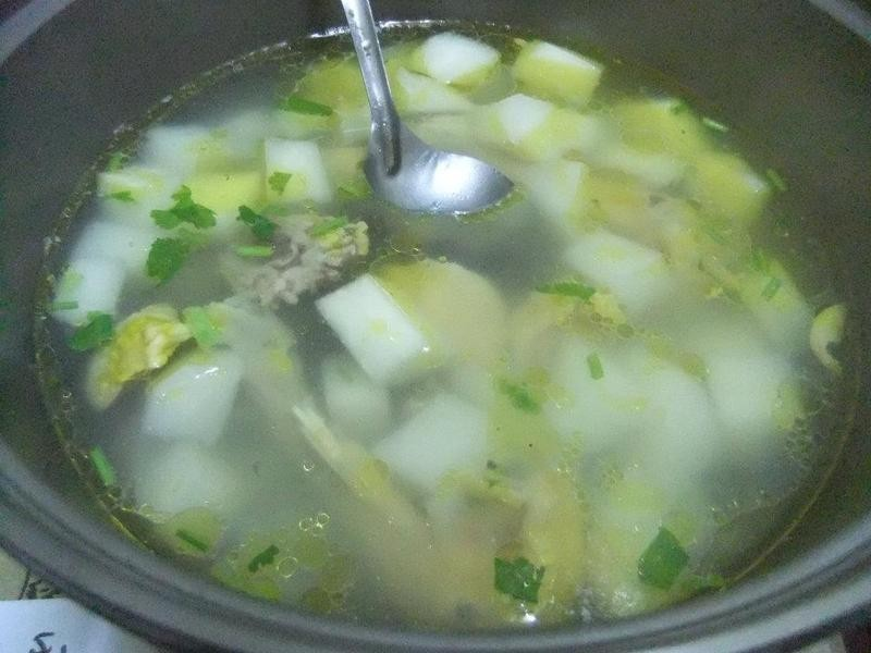 ღ小吟愛做菜ღ 豆薯排骨湯