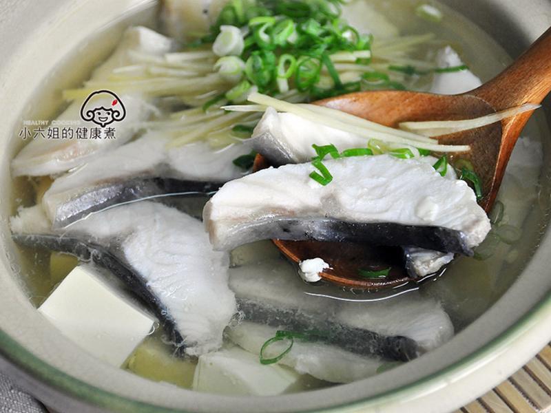 鱘龍魚豆腐湯