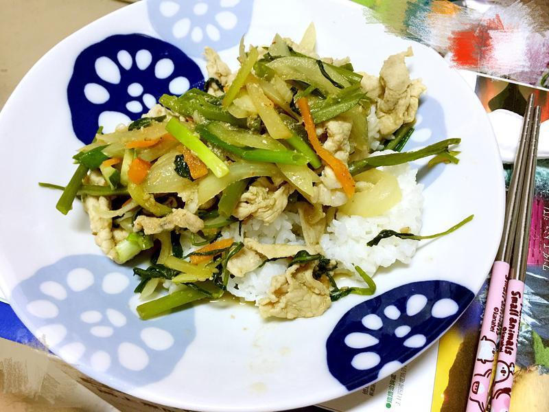 秘傳醬汁野菜䐁肉片⋯賴食堂