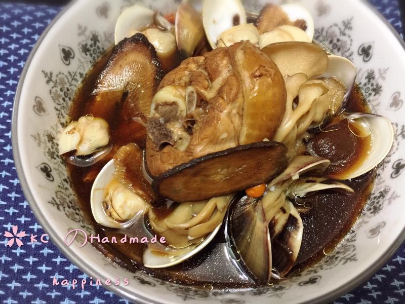 牛蒡蛤蜊黑蒜雞湯🍲