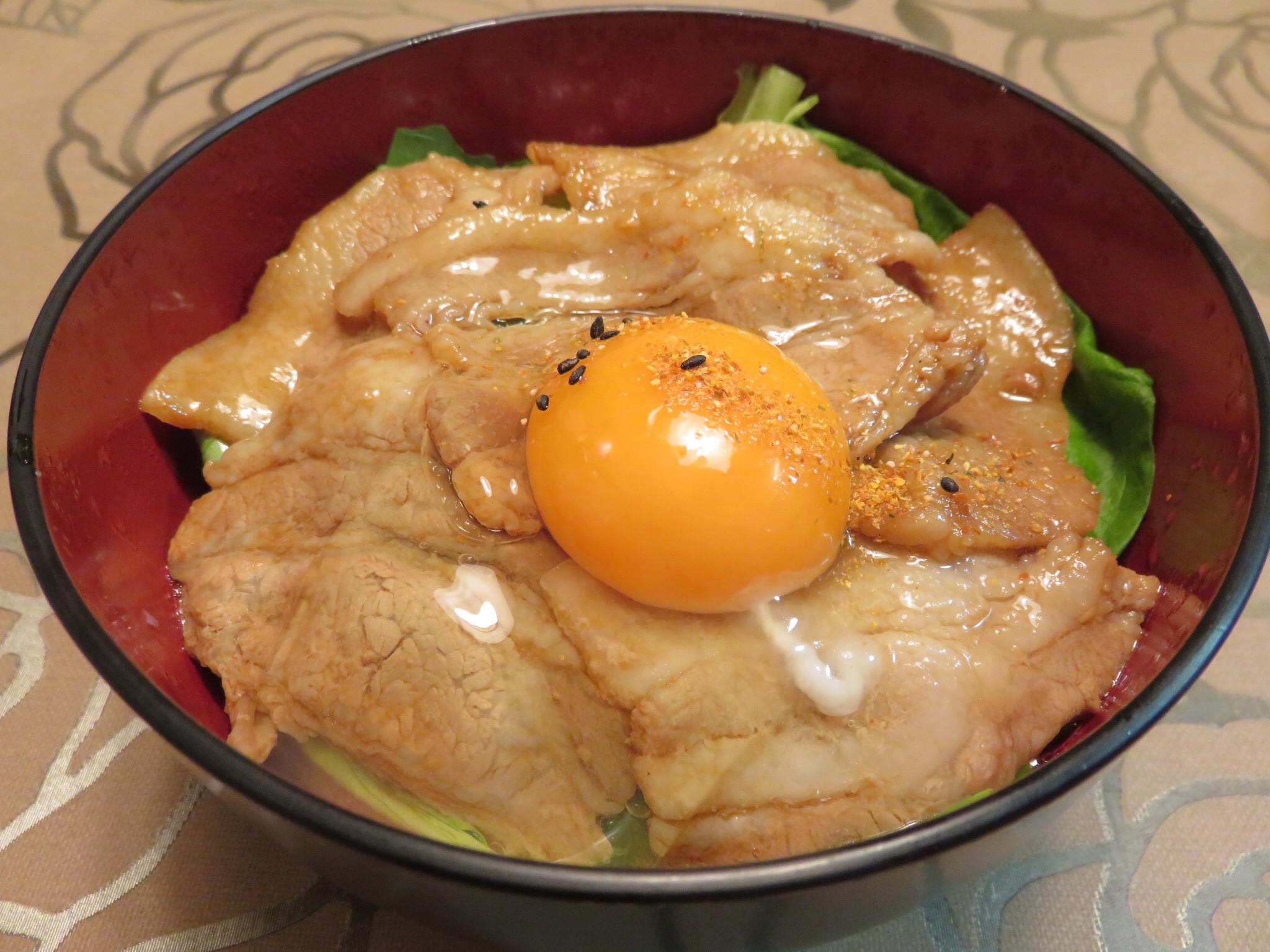 日式豬肉丼(豚丼)
