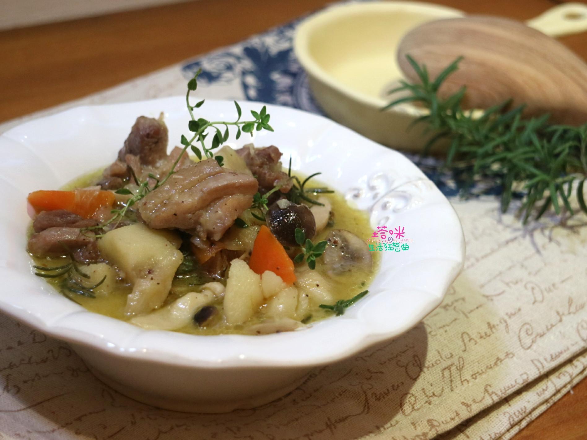 菇菇馬鈴薯燉雞【一鍋煮】