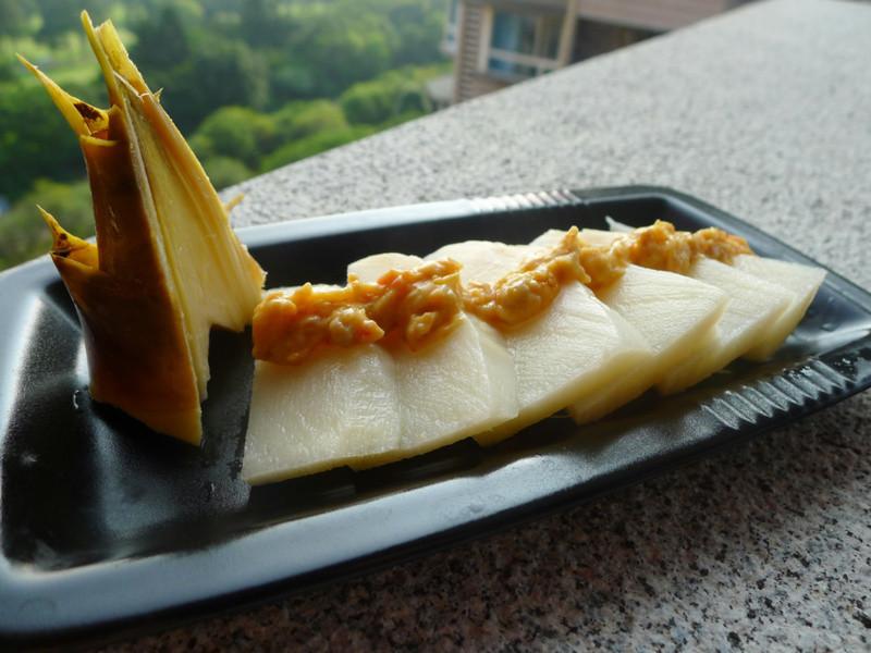 品靚上菜-綠竹筍佐魚卵沙拉
