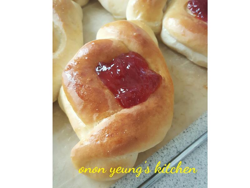 草苺果醬麵包
