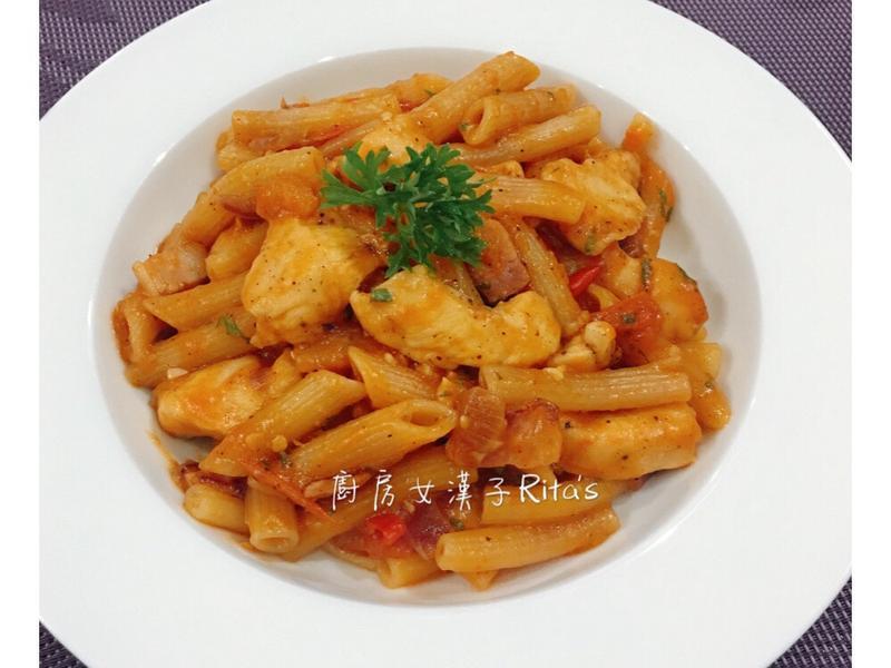 辣蕃茄雞肉通心粉