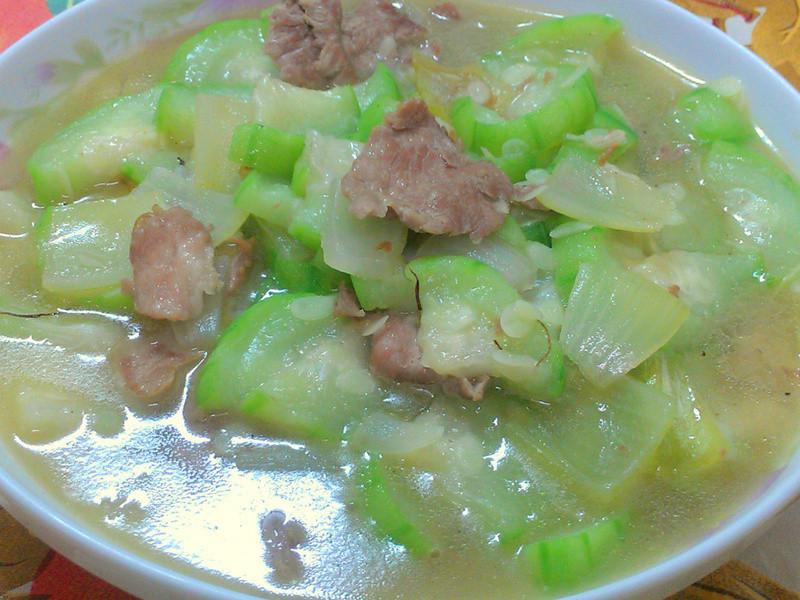ㄚ曼達的廚房~肉片絲瓜