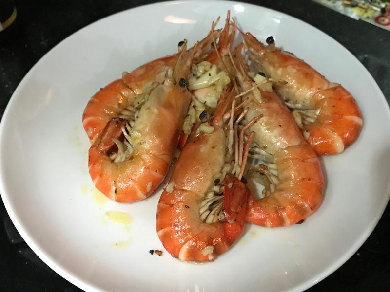 蒜蓉牛油汁大蝦
