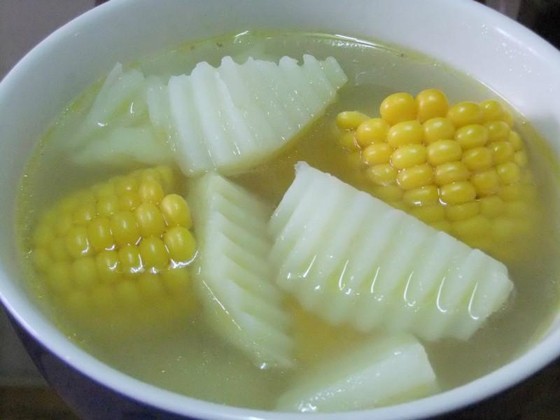 ღ小吟愛做菜ღ 雞肉玉米馬鈴薯湯