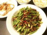 *Re*夏日晚餐-蒜香牛肉四季豆+荷包蛋
