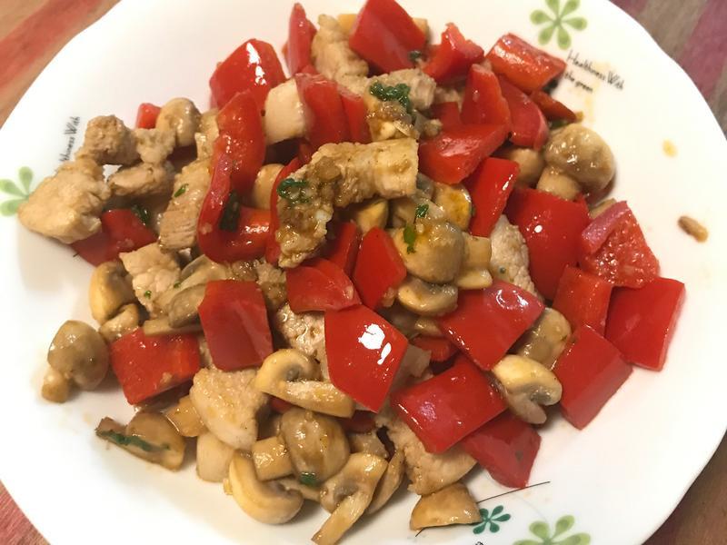 甜椒蘑菇炒五花肉