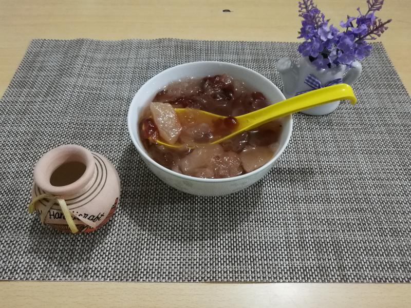 (煮食影片)平民燕窩桃膠銀耳蔓越莓糖水