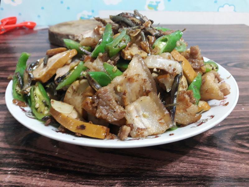 糯米椒炒五花肉