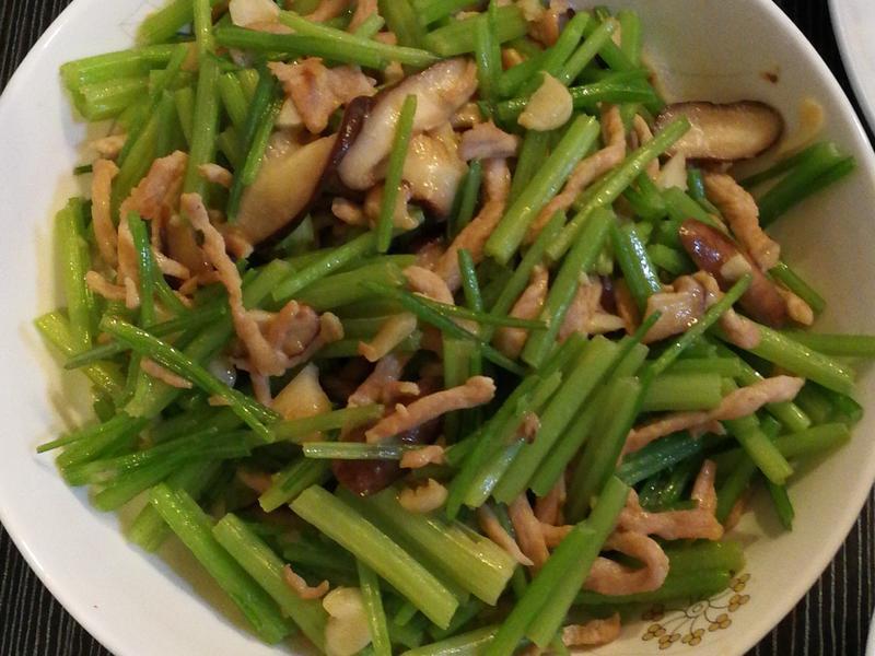 炒芹菜香菇肉絲