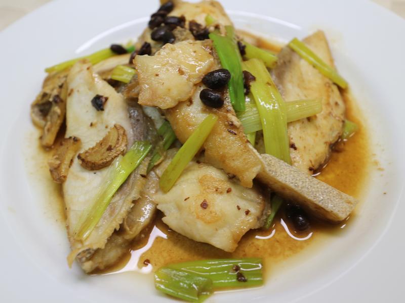 豆鼓蔥燒魚片(((0廚藝ok