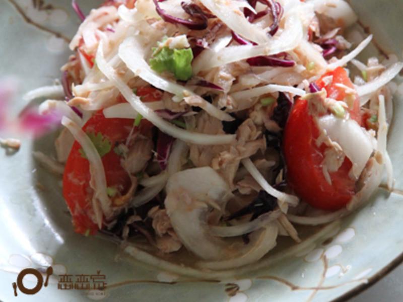 冰鎮鮪魚洋蔥蕃茄沙拉