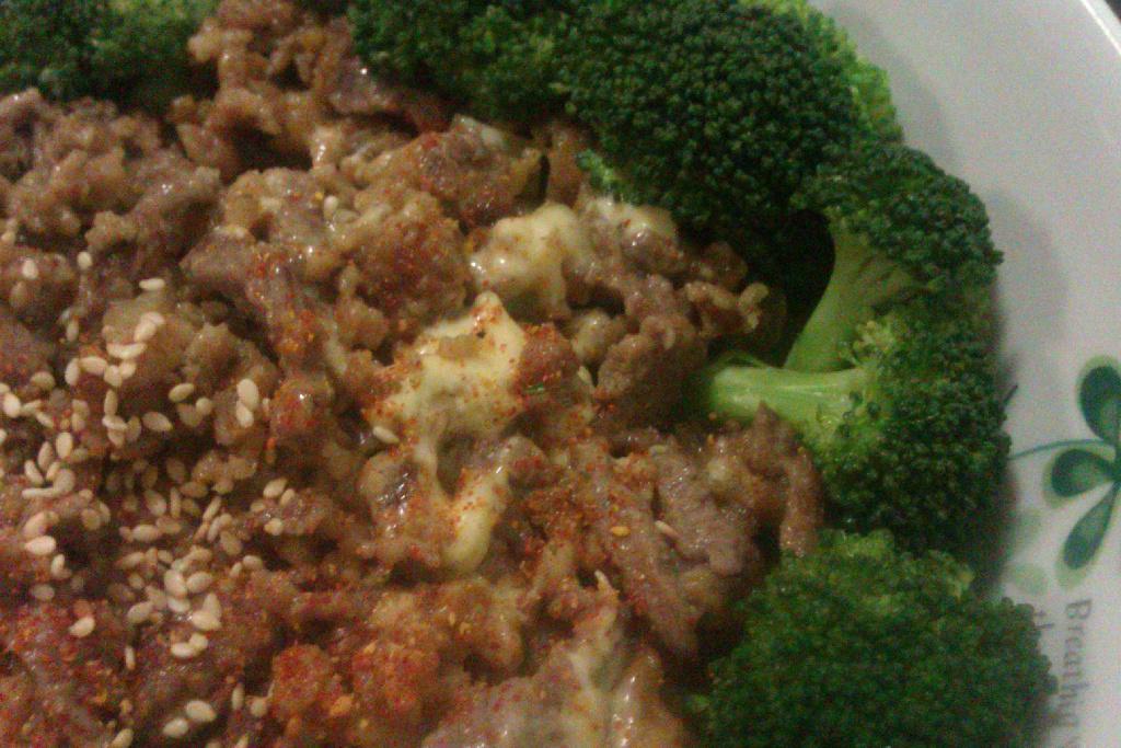 七味粉起司炸牛肉食蔬