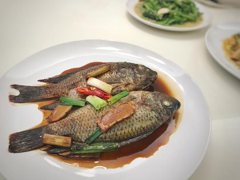 蔥燒吳郭魚