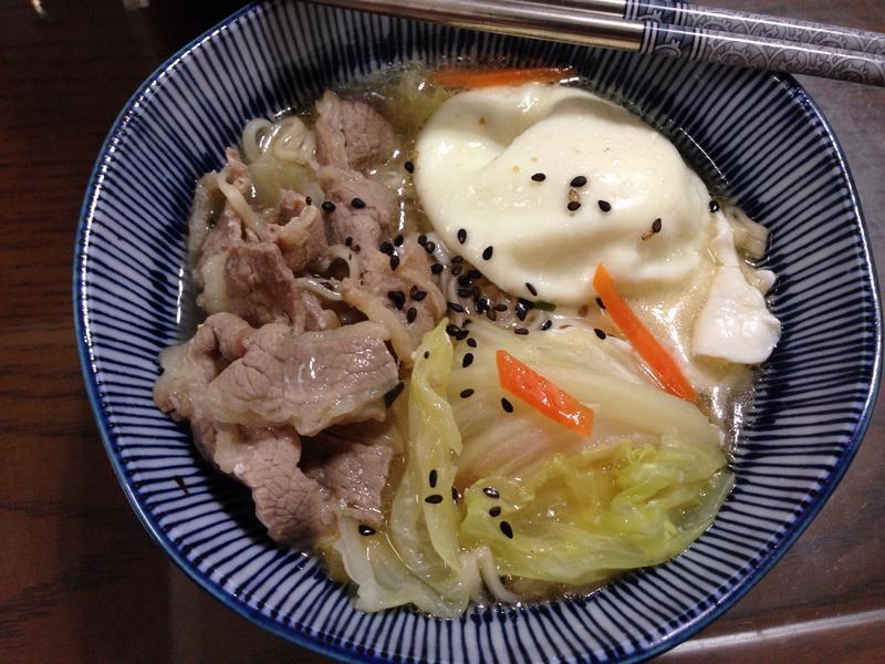颱風天記憶料理-豪華版泡麵