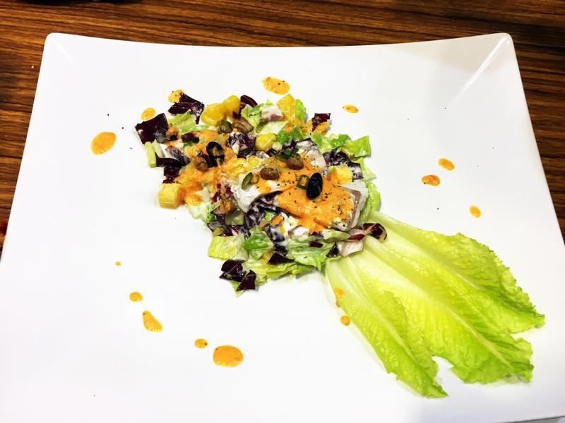 夏季芒果海鱸魚沙拉