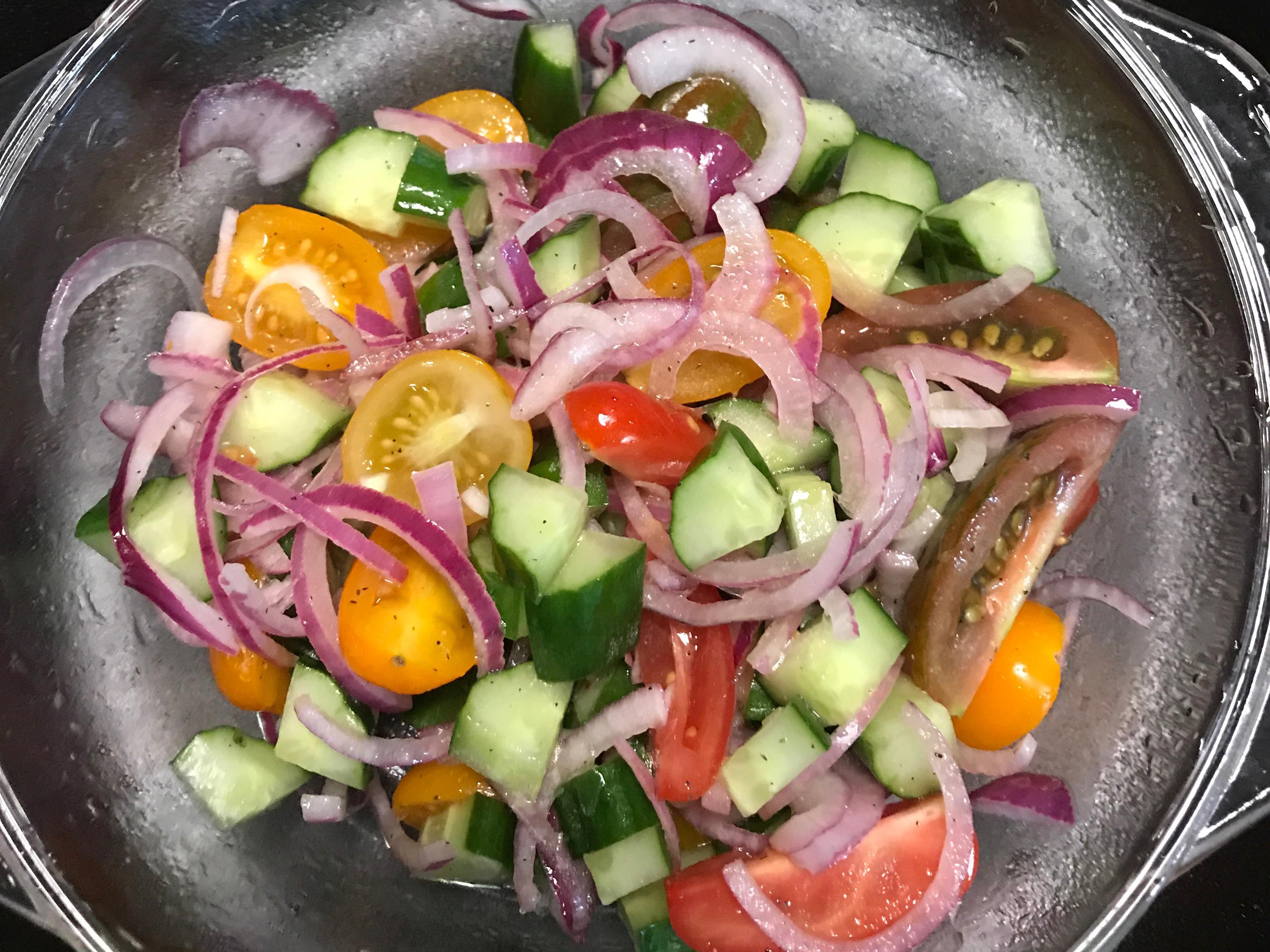 洋蔥蕃茄黃瓜沙拉