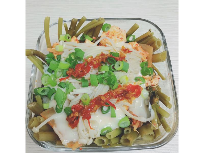 電鍋做午餐-健身飲食-低脂起司雞肉菜丼