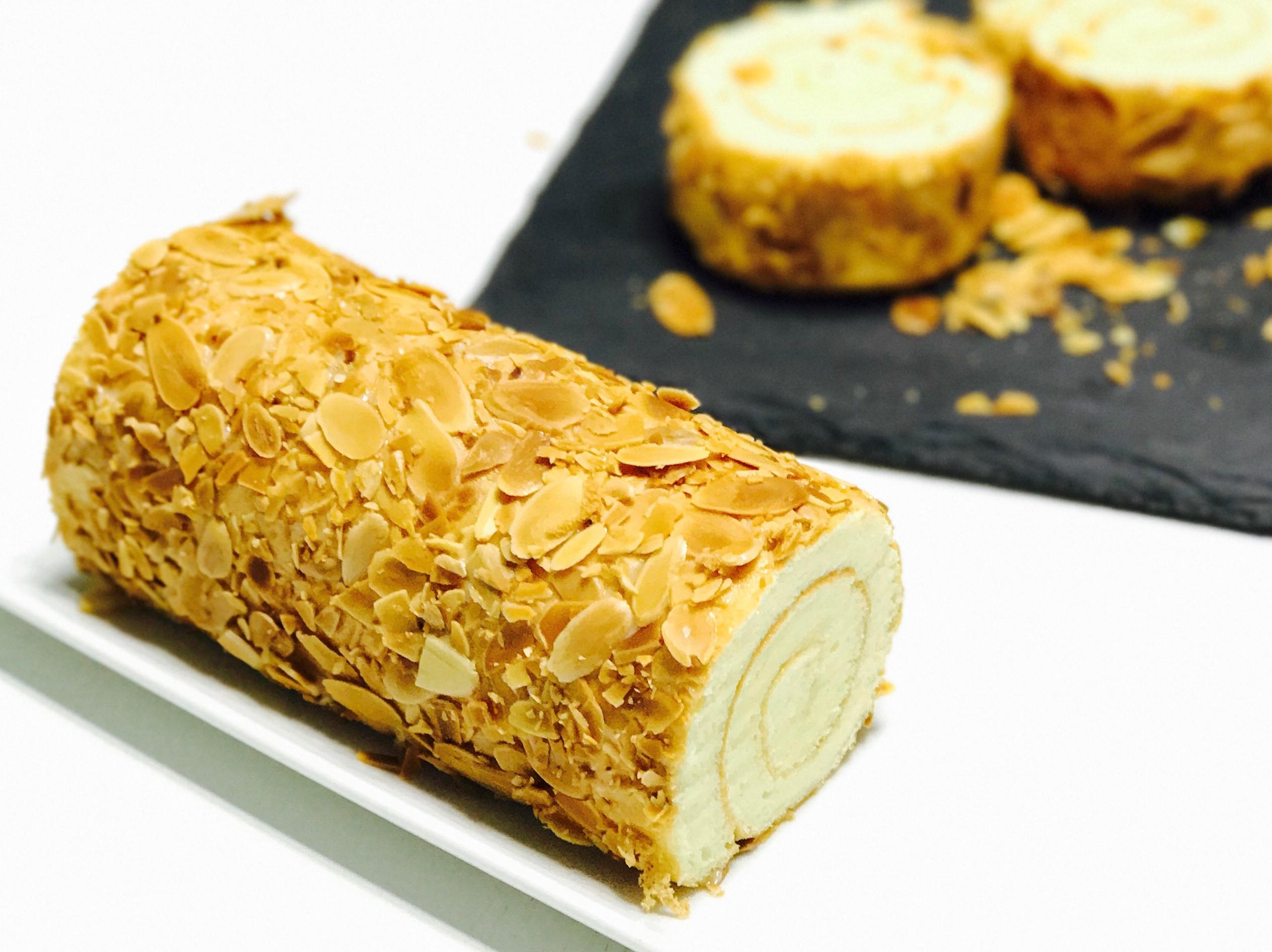 鹿背杏仁蛋卷Almond roll