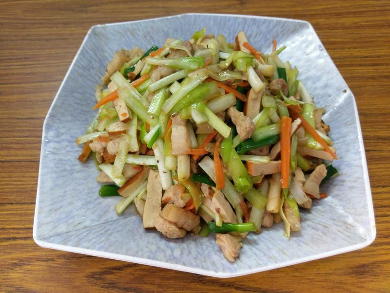 韮黃炒豆干肉絲