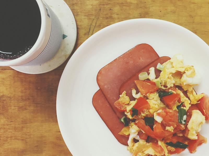 [上班早餐]番茄炒蛋配火腿