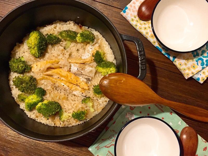 鮭魚蔬菜炊飯(staub鑄鐵鍋)