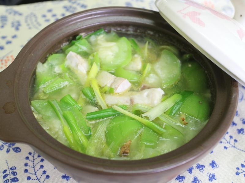 砂鍋煨魚片絲瓜