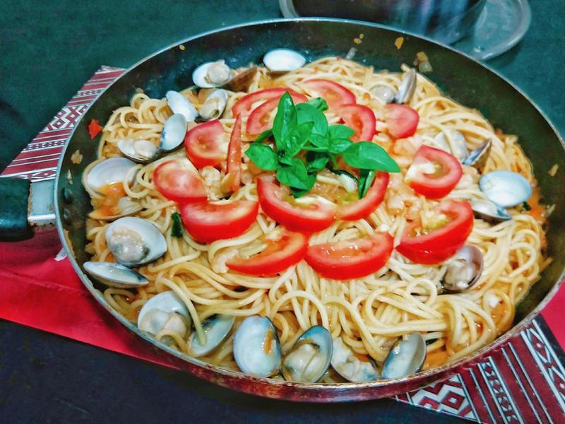 塔香海鮮義大利麵