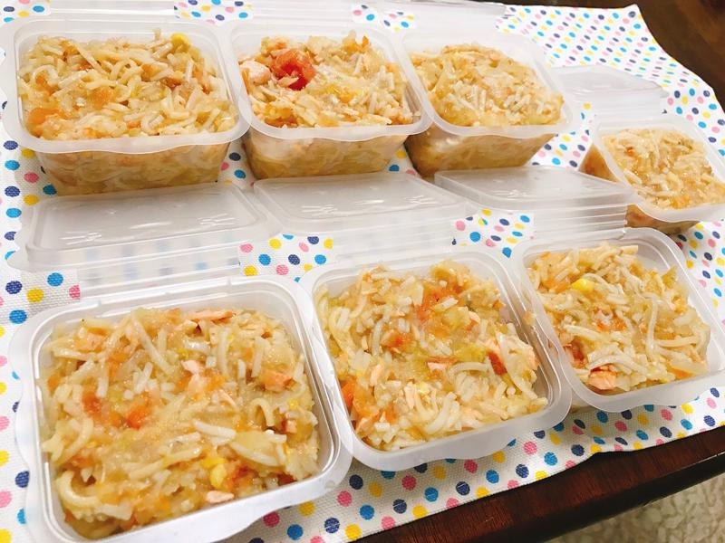寶寶副食品-香蒜蕃茄鮭魚煨麵