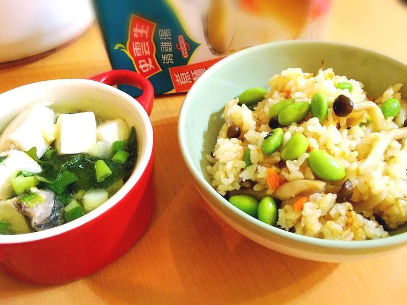 雜炊飯+味噌鮭魚湯「史雲生清雞湯」