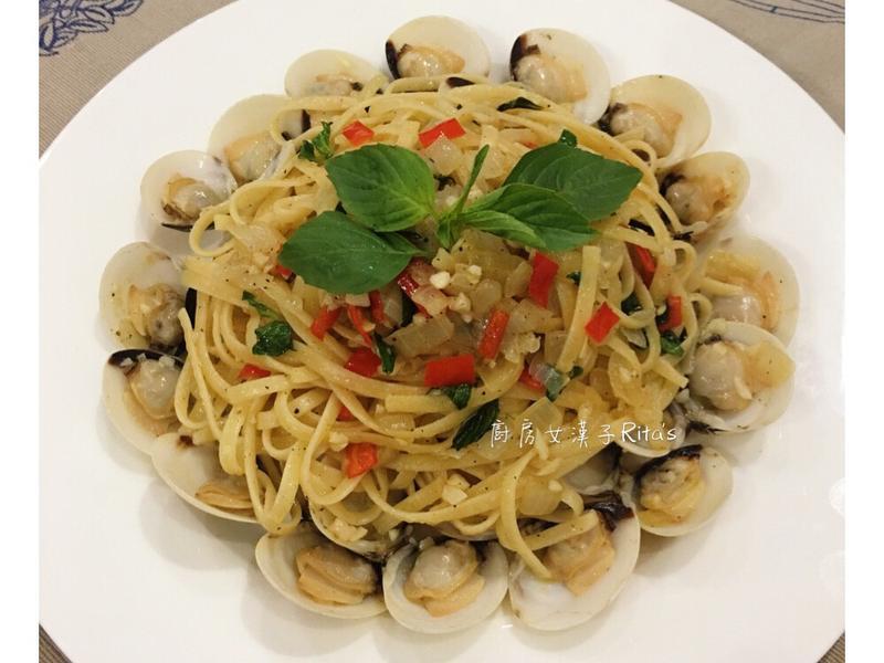 蒜味白酒蛤蜊意大利麵