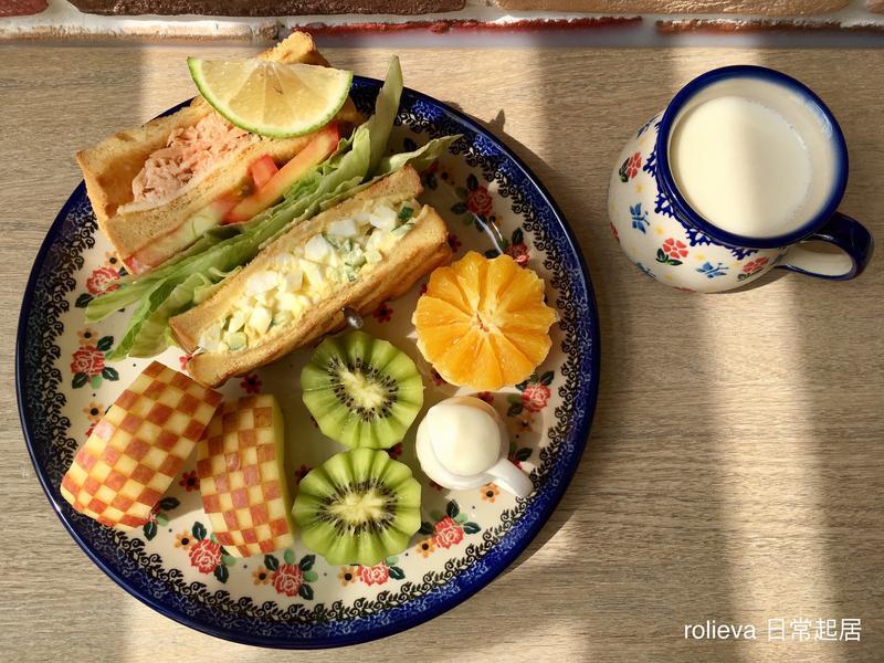 優格鮭魚蔬果蛋沙拉三明治🍎🥝🍊酸奶