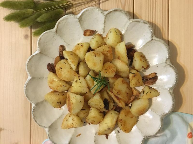 鹽烤香草馬鈴薯塊