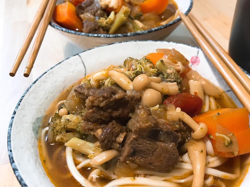 蕃茄燉牛肉麵(萬用鍋)