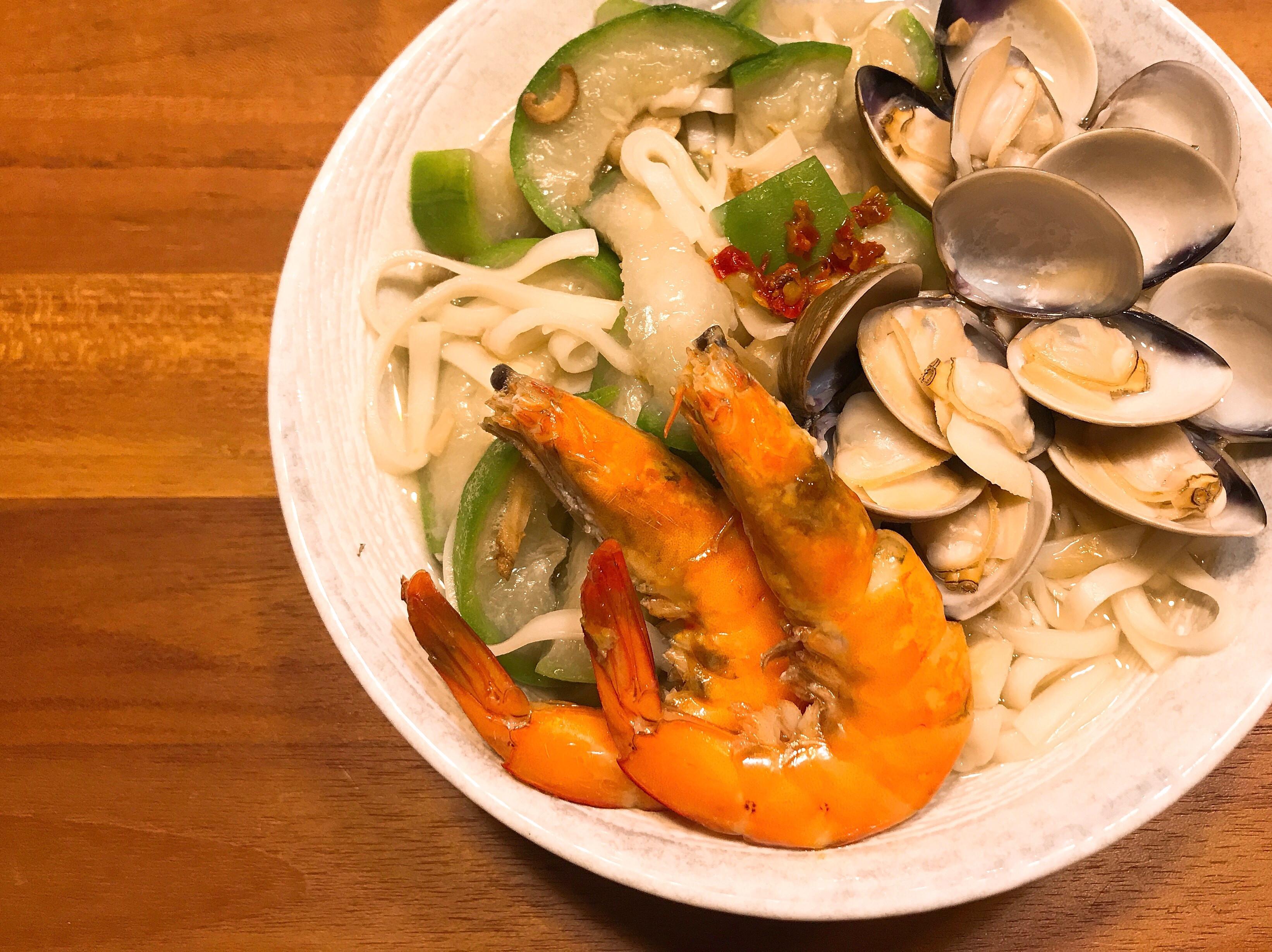 《快速料理-絲瓜海鮮麵》