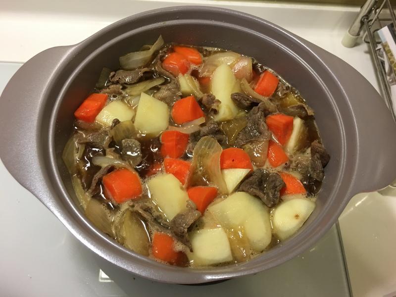 馬鈴薯燉牛肉(牛小排肉片)